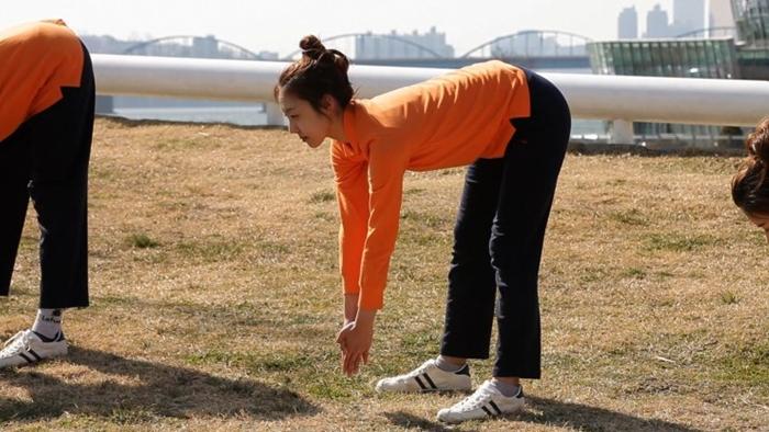 건강한 아침 - 명사의 운동법 - 엄홍길대장의 목 이완운동