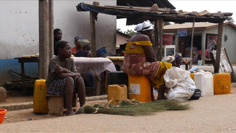 글로벌 프로젝트 나눔 - 100세 넘은 할머니와 어린 손녀들