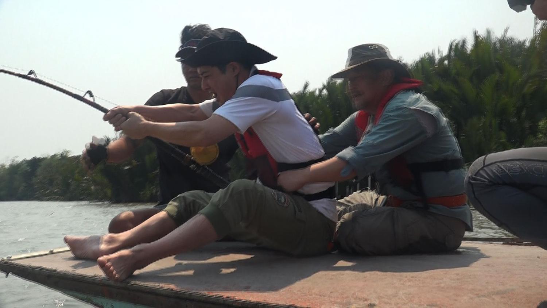 성난 물고기 - 태국 방파공 강의 괴물 가오리