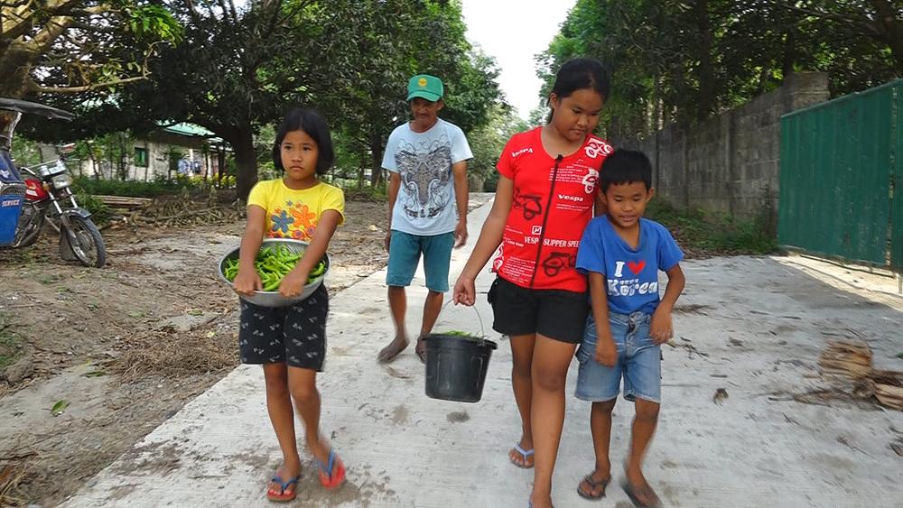 글로벌 아빠 찾아 삼만리 - 재혼한 아빠와 필리핀의 세남매